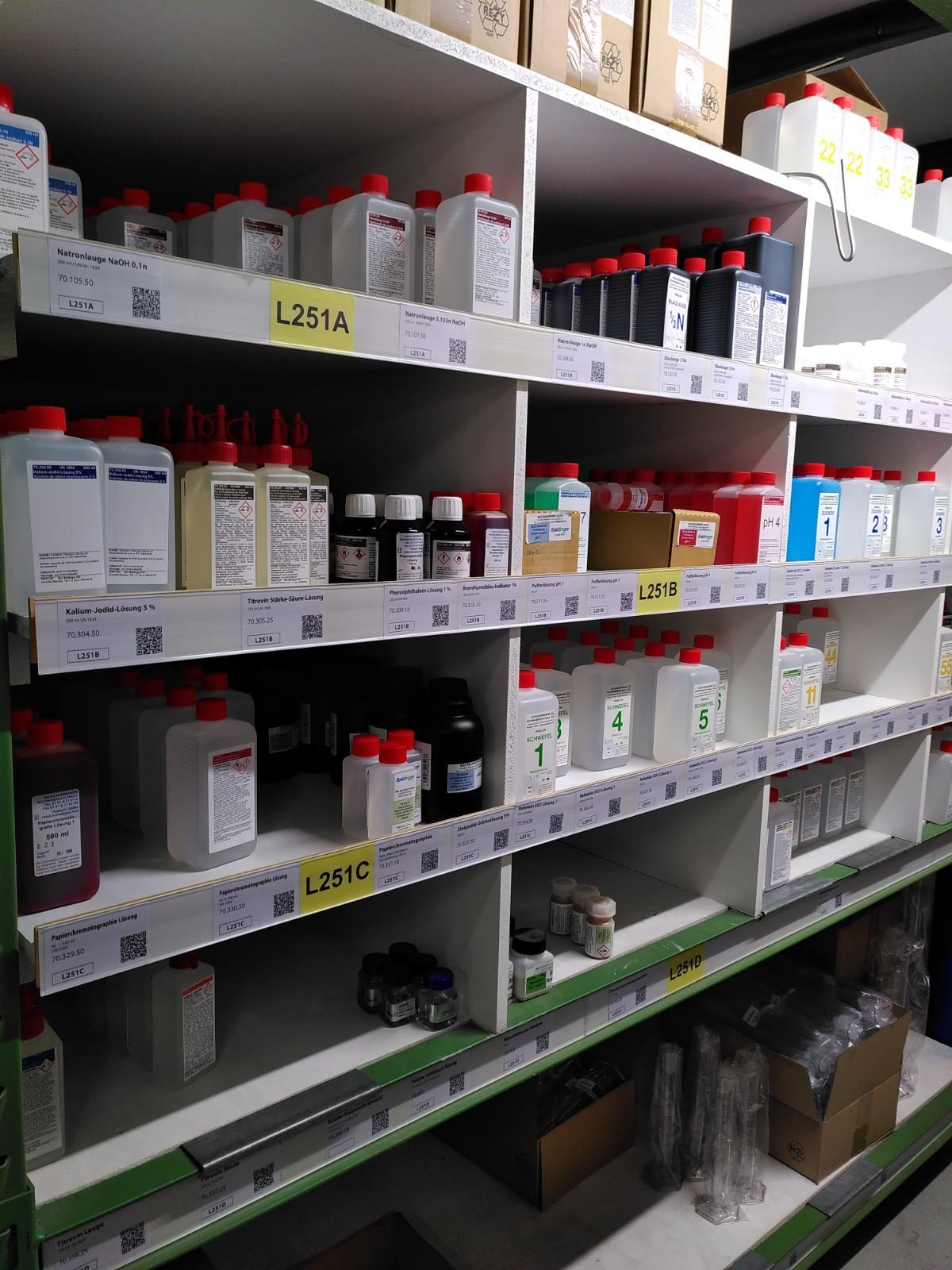Unser Laden: Laborchemikalien für analysen