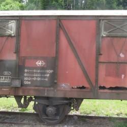Hier wird ein Güterbahnwagen restauriert!